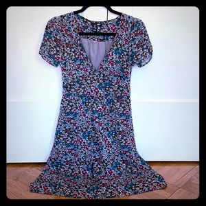 Short sleeve, floral print H&M dress